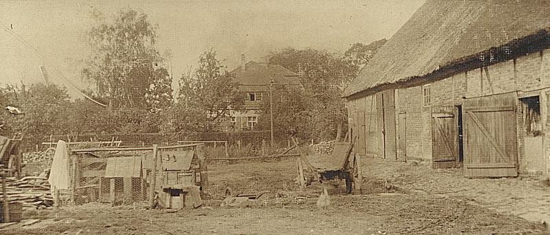 Pfarrhaus von Huldbergscher Scheune aus-c